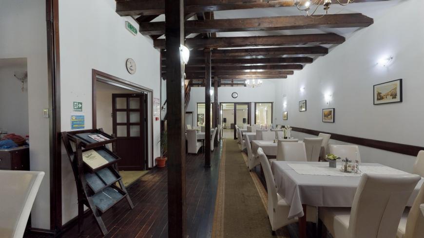 restaurant 44
