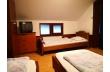 2 camere (5 locuri de cazare) cu baie comuna