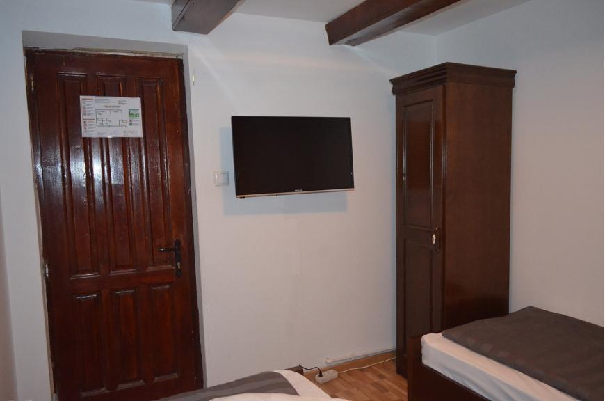 camera nr.1 - camera dubla cu baie proprie