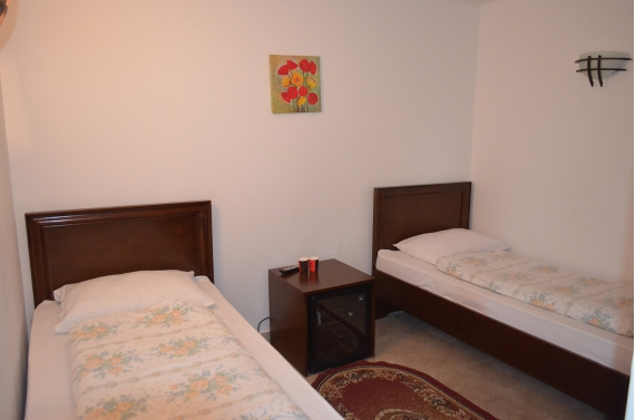 Double room (No. 1) with private bathroom