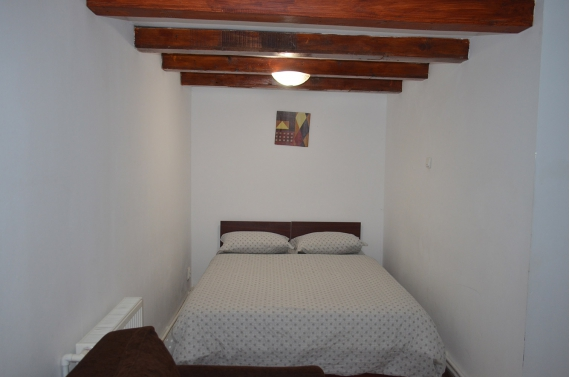 Triple room (No. 1) with private bathroom