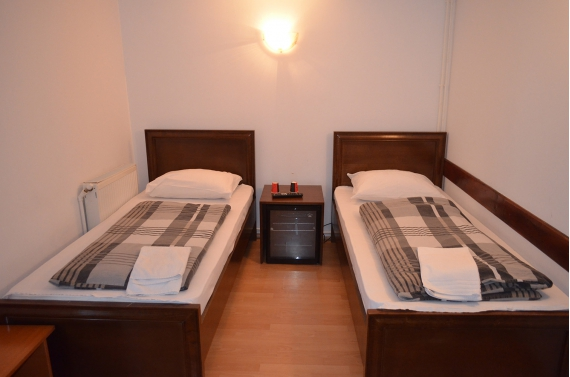 Double room (No. 1) with shared bathroom