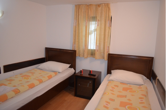 Double room (No. 2) with shared bathroom